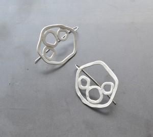 circle earrings in white powdercoat