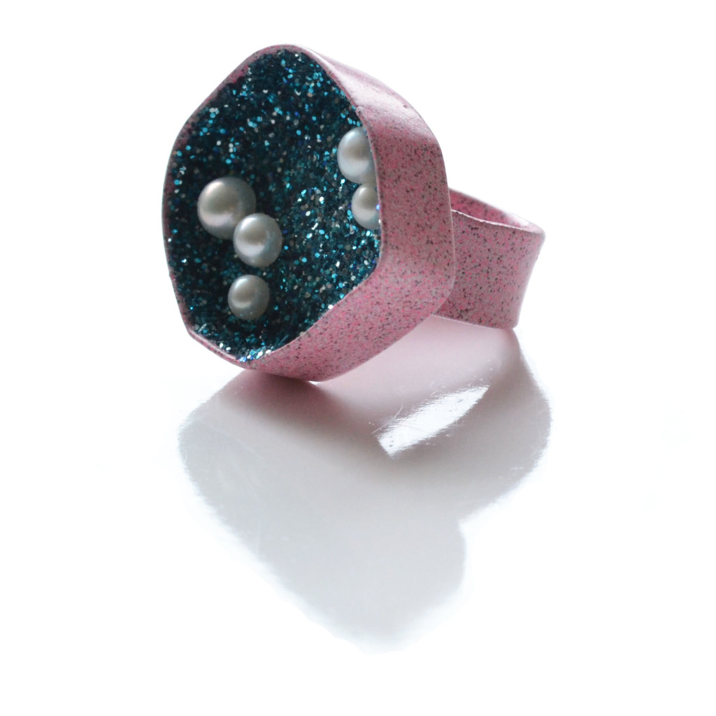 Pink geometric geode ring with turquoise glitter and white pearls