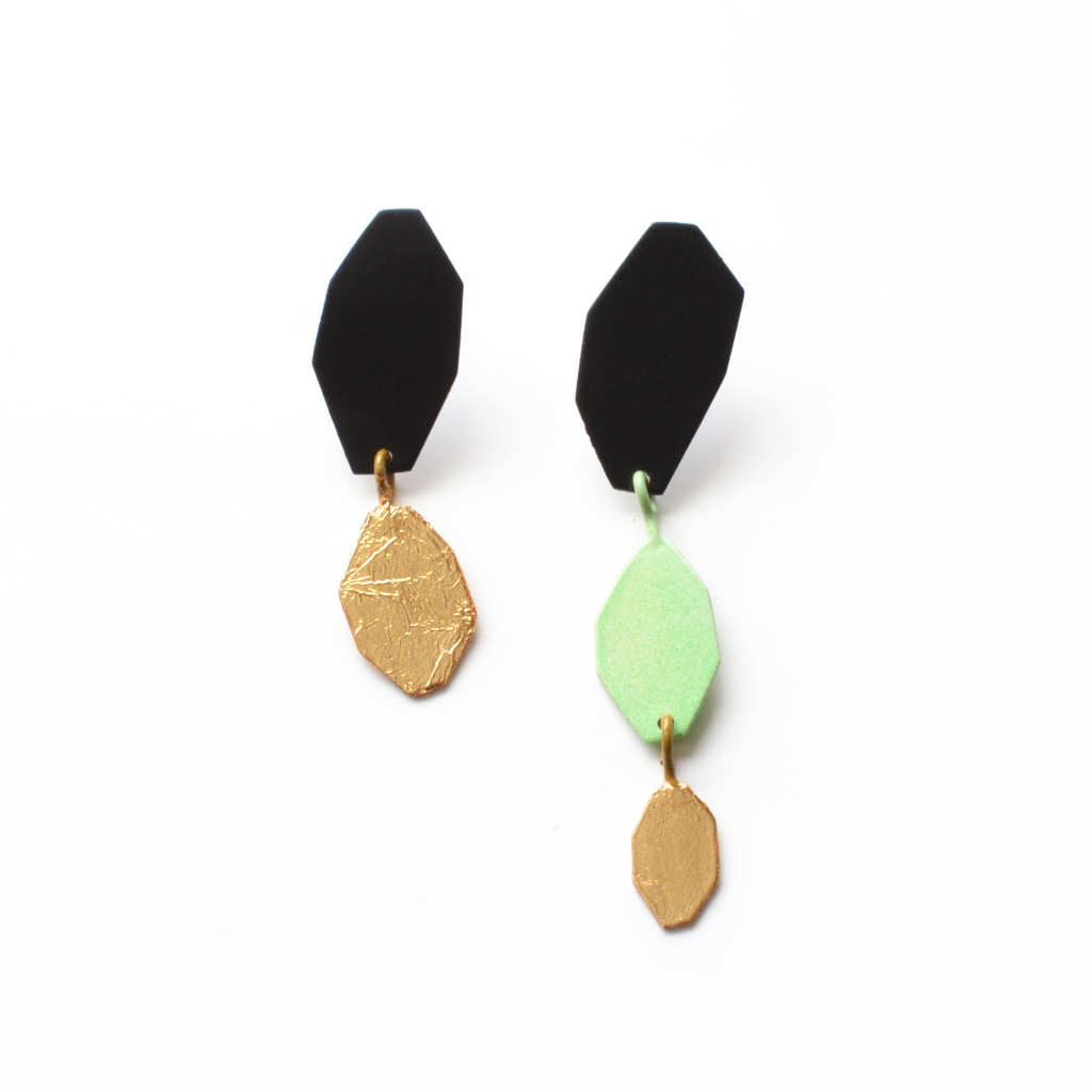 geometric earrings asymmetric gold leaf green, photo 1
